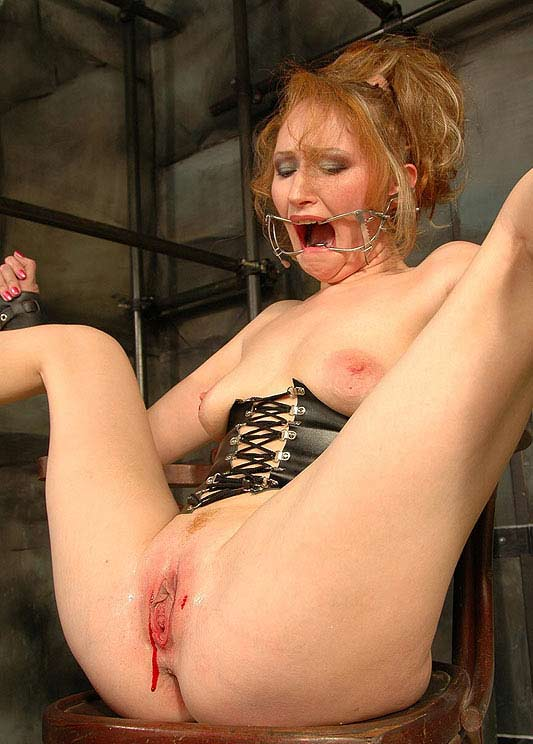 Redhead pussy speculum recommend