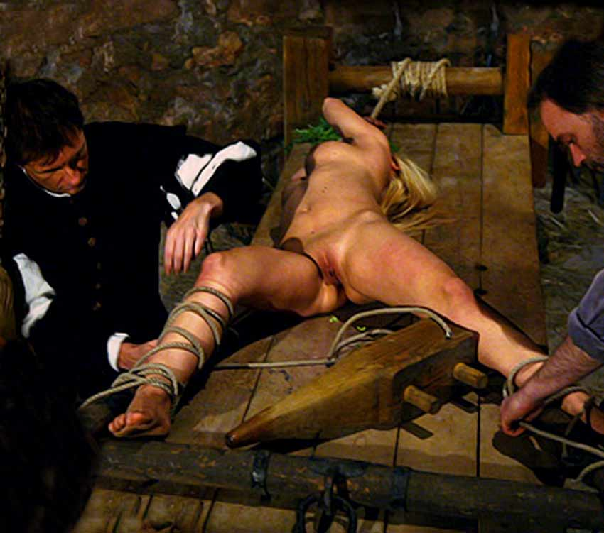 Naked girl torture inquisition - Other - XXX videos
