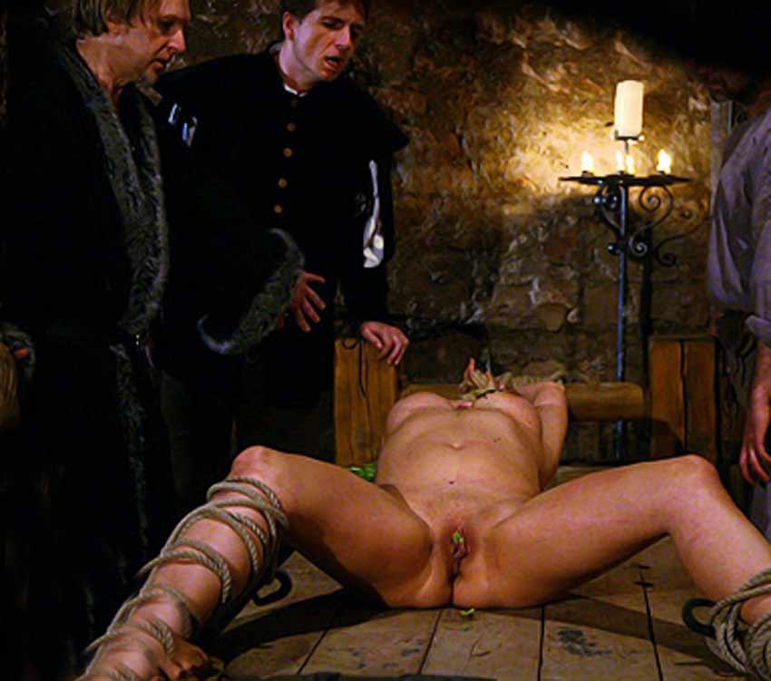 одним порно средневековый стиль магазинах продаются разные