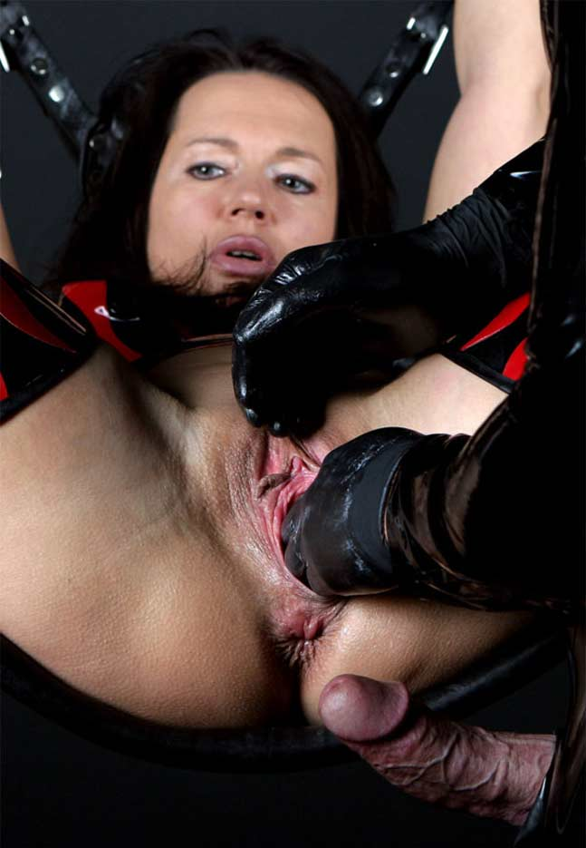 Mad pussy play session with toys and cream 10