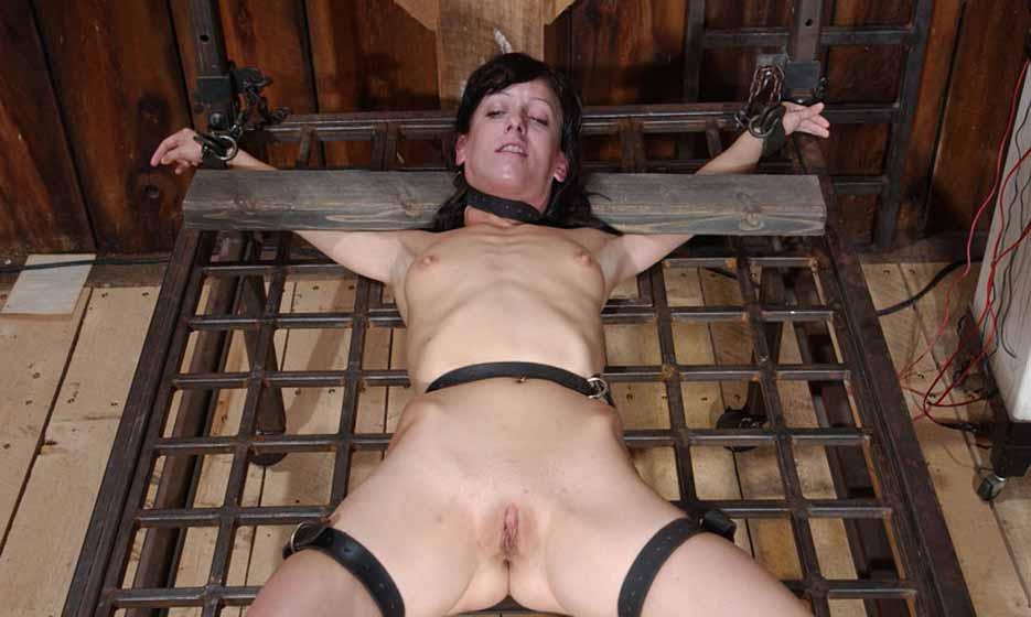 bdsm bed torture