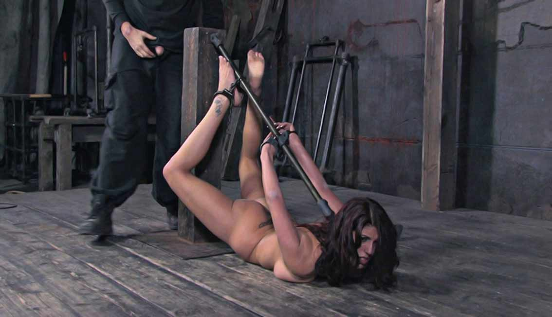 image Mature caged slave tortured by vanessa lane