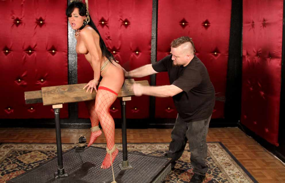Бдсм госпожа терзает рабыню